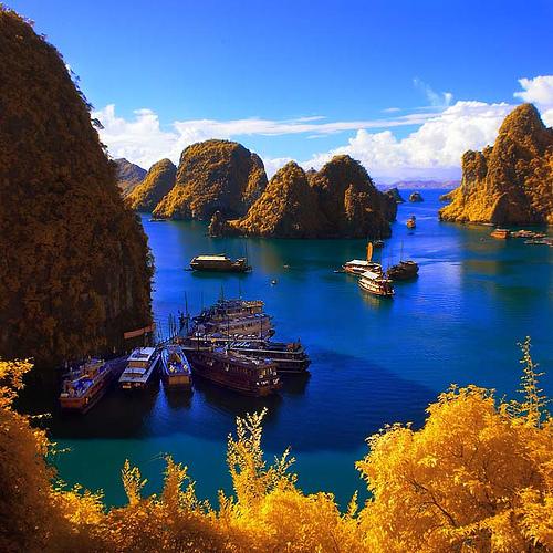 Vietnam cruise-halong-bay